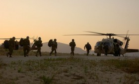 IDF paratroopers helicopter